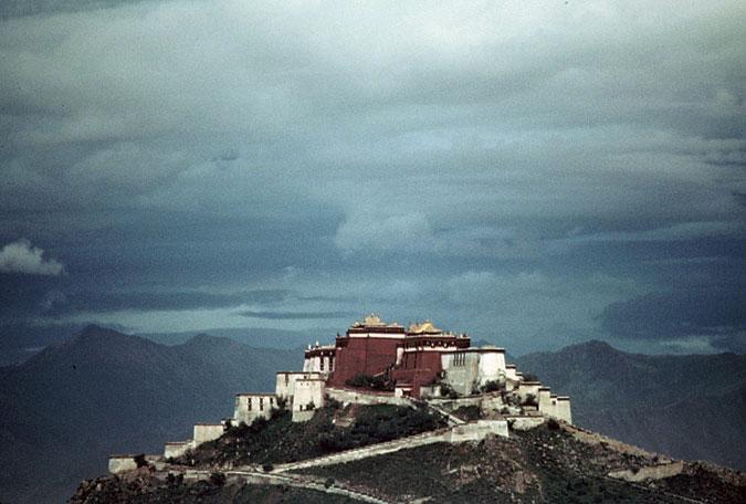 Potala Palace (Bùdálā Gōng 布达拉宫)|Bùdálā Gōng 布达拉宫 (Potala Palace)